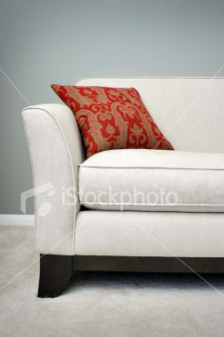 ist2_455807-red-pillow-on-a-sofa