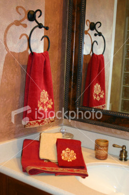 ist2_538958-luxurious-towels